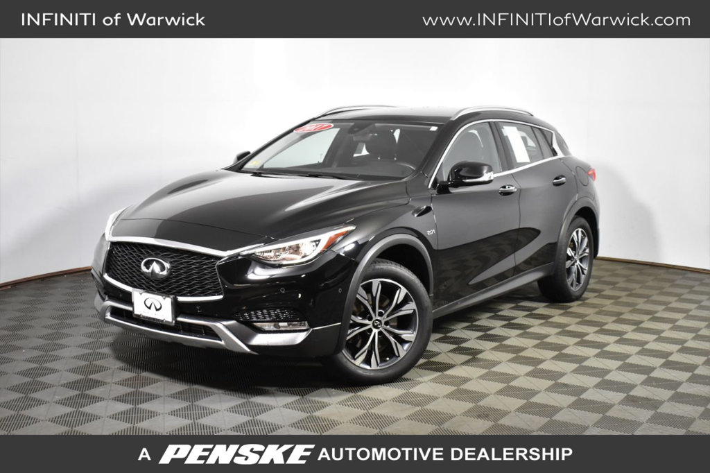Certified Pre-Owned 2017 INFINITI QX30 Luxury AWD